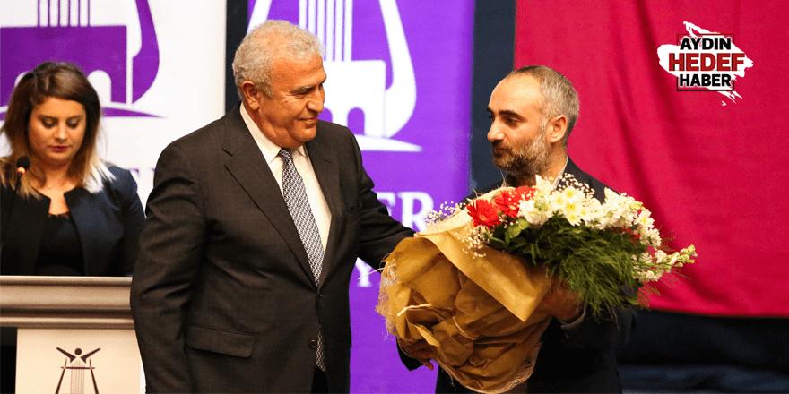 Gazeteci Saymaz'a Efeler'de büyük ilgi