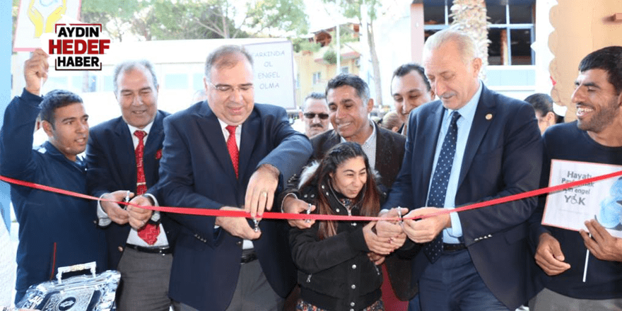 Başkan Atabay Sergi açılışına katıldı