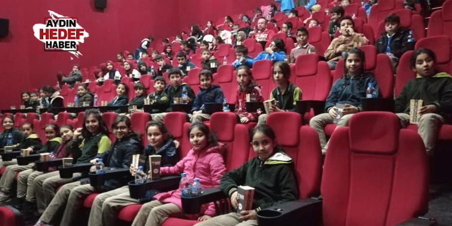 Karacasulu çocuklar sinemayla tanıştı