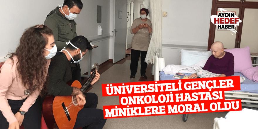 Üniversiteli gençler onkoloji hastası miniklere moral oldu
