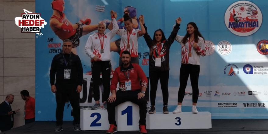 Adaşlar Avrupa Şampiyonu oldu