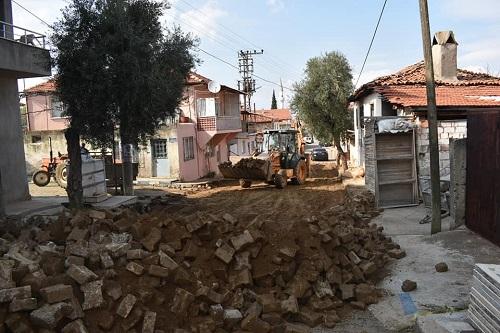 25-yildir-el-degmeyen-yola-belediye-eli-degdi-156840-401abc66111b58858f09de0ee84b7258.jpg