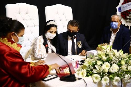 abcg-baskani-ulucan-bik-calisani-cihan-ile-evlendi-198493-7940751c467a51ca284a6dd9e15a2ba8.jpeg