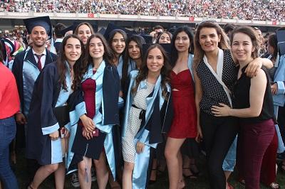 adude-mezuniyet-coskusu-110636-17c44347167d31a398067f9f306b3357.jpg