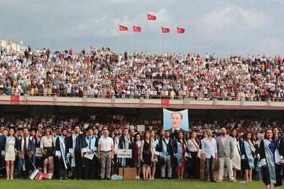 adude-mezuniyet-coskusu-110636-a9242586d45b93b072a3fd6c41243a92.jpg