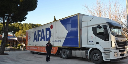 afadin-deprem-tiri-karacasu-meydaninda-151093-108ad6b3538737c670fca3f52866856b.jpg
