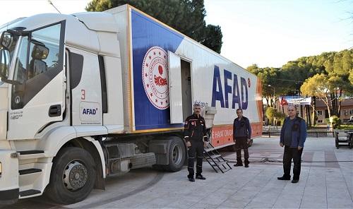 afadin-deprem-tiri-karacasu-meydaninda-151093-91a863bed98deb61fe46c64d63f11d68.jpg