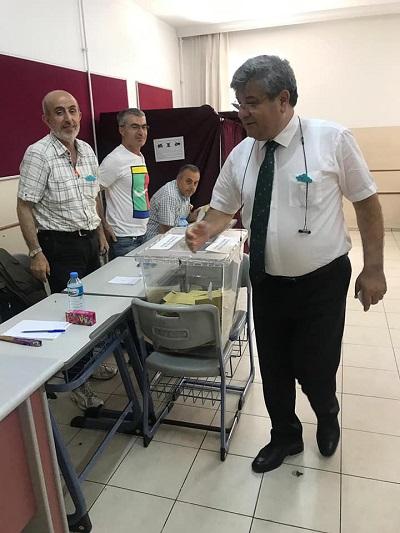 ak-parti-aydin-milletvekilleri-sandik-nobetinde-112605-4be17936df41020d2910d652e8f85313.jpg