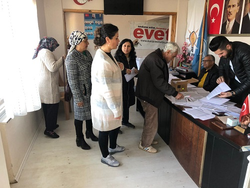 ak-parti-karacasuda-secim-heyecani-yasandi-139907-16e82b9363958b6b0d252cb6cb4c81c1.jpg