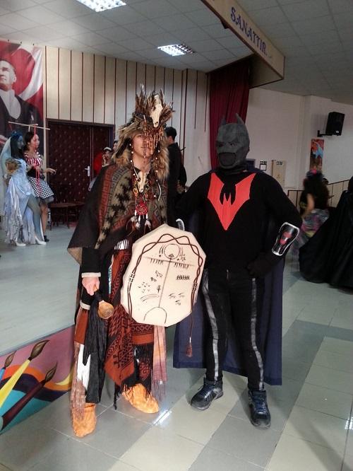 aydinda-lise-ogrencileri-karakter-kostumleri-tasarladi-144960-6ee1d523977a4832c87fca2da170de04.jpg