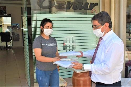esnaflarin-pandemi-onlugu-karacasu-belediyesinden-167621-635f80ffb0cc5da3a2432d065f81cf60.jpg