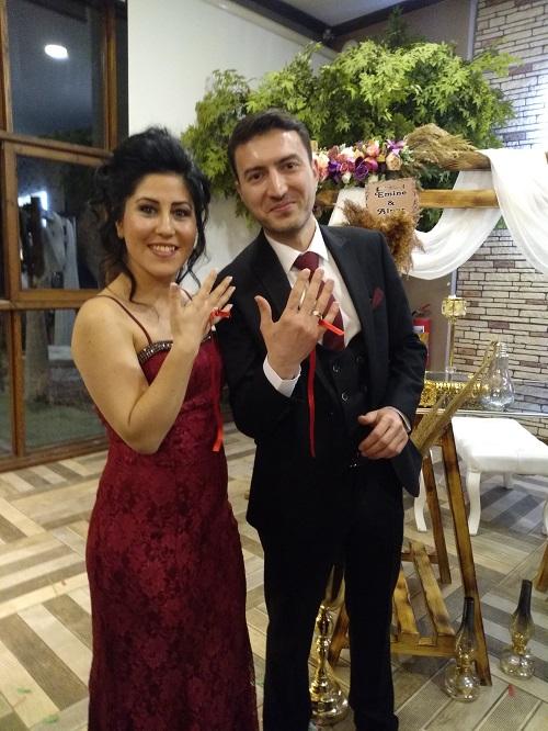 evlilik-yolunda-ilk-adimi-attilar-96695-737487f1a7a8f74f0edccdcf835aa820.jpg