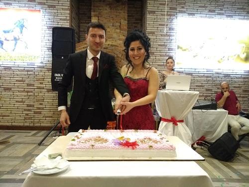 evlilik-yolunda-ilk-adimi-attilar-96695-a3b0b5884da99f89c45d7084085f7153.jpg