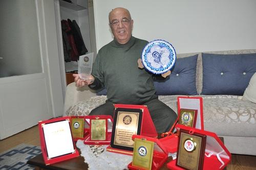 gazetecilige-gonul-vermis-duayen-erdogan-eker-144320-69291bcf915d9b75dd9c8369e594de93.jpg