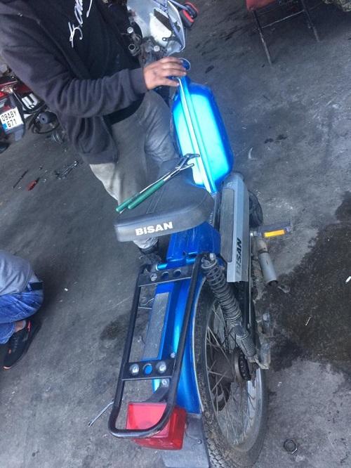 imamin-calinan-motosikleti-14-yil-sonra-bulundu-140569-fc50338fd9d27ec0fcc267c6b15f5019.jpg