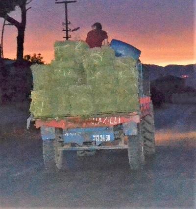 isiklandirmasi-olmayan-traktorler-kazalara-davetiye-cikariyor-109425-625f7e9192eae13c08b2452b06559eac.jpg