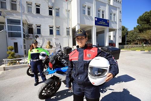 jandarmanin-motosikletli-kadin-timleri-suclulara-goz-actirmiyor-206093-eb5bf14d2c968f9a4eab5e3c86bfd6da.jpg