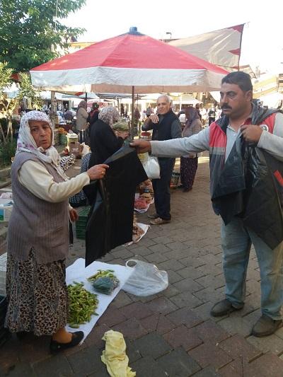 karacasu-belediyesi-pazarci-esnafina-cop-poseti-dagitti-131400-10b3027094d0ed1f9c008039ba44fe61.jpg
