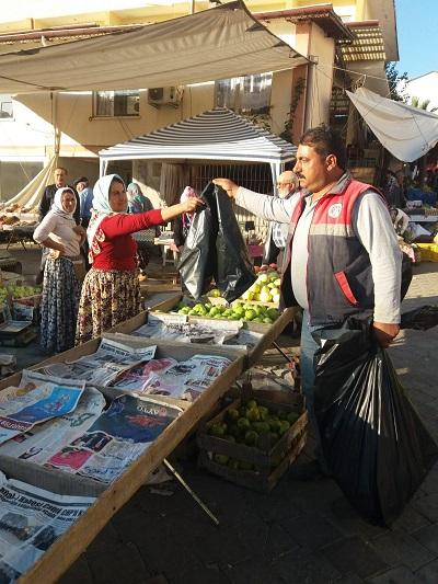 karacasu-belediyesi-pazarci-esnafina-cop-poseti-dagitti-131400-2fd0bffccd882196d2bdbbbe9b973cf5.jpg