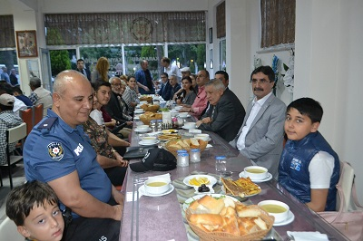 kaymakam-soley-engellileri-iftar-yemeginde-bulusturdu-106966-73732de3f7030f544fa48da9554bd13f.jpg