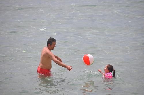 kusadasi-ve-didim-sahillerinde-deniz-keyfi-164196-fe7de6ca721a95f9adec5036b4dc7a0f.jpg