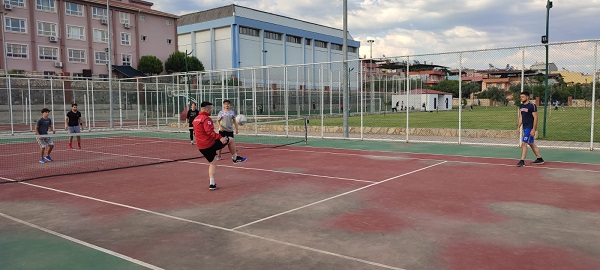 kuyucakta-yeni-moda-ayak-tenisi-221706-153b9a48350ce56b7a192fe0b5ab95bf.jpeg
