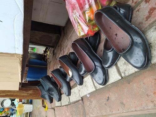 lastik-ayakkabidan-vazgecemiyorlar-198686-2ebb545c4e4dd46f95b6b23061fefab5.jpg