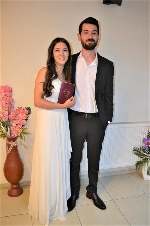 lise-askiyla-evlendi-174630-395192e95f7ed387b95810d4e3f577d7.jpg