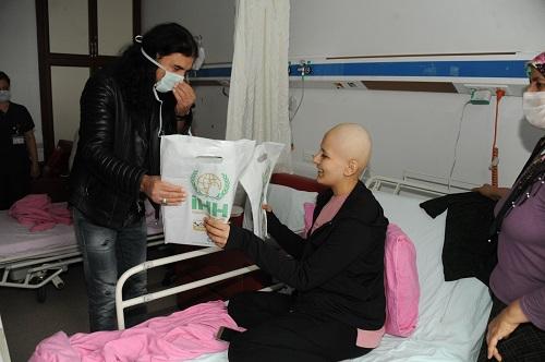 murat-kekilli-aydinda-onkoloji-hastalariyla-bulustu-139132-e603d5abf5fe6f7d25b042d8669111be.jpg