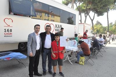 nazilli-cumhuriyet-okulu-ogrenci-velilerinden-kan-bagisi-kampanyasi-132333-81ffcb12dea81db45f0e39eb362cd0db.jpg