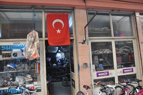 nazilli-turk-bayragi-ile-donatildi-151376-4fe40d0cbc7f778ea38a79bb4da6cfb6.jpg
