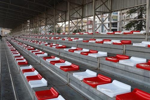 tribunlerde-koltuklar-yenilendi-140161-5bd8a54eb5a8f249c206471faaa9a82f.jpg