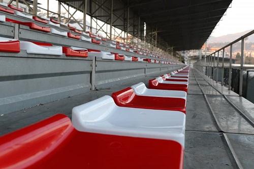 tribunlerde-koltuklar-yenilendi-140161-74fe88579d4fdb6e894f9564710e208d.jpg