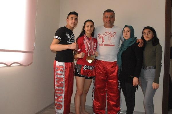 turkiye-2incisi-oldu-ilcede-mehteranla-karsilandi-90281-1289d9a77b531290560cba63a5d9f620-001.jpg