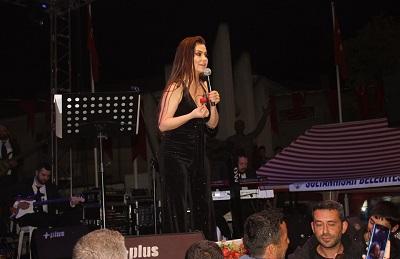 yarim-asirlik-festival-lara-konseriyle-sona-erdi-105105-3168c2f420ecc9bb12db08300fdfc136.jpg
