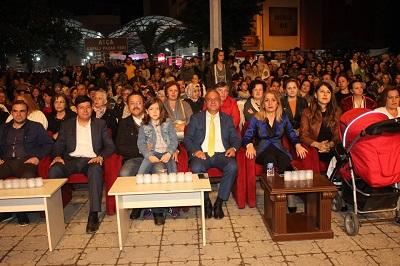 yarim-asirlik-festival-lara-konseriyle-sona-erdi-105105-4b764e1a2cab8409264f6e3c84111833.jpg