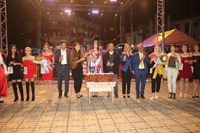 yarim-asirlik-festival-lara-konseriyle-sona-erdi-105105-bfe19efd554ee7c709874e80c76123b4.jpg