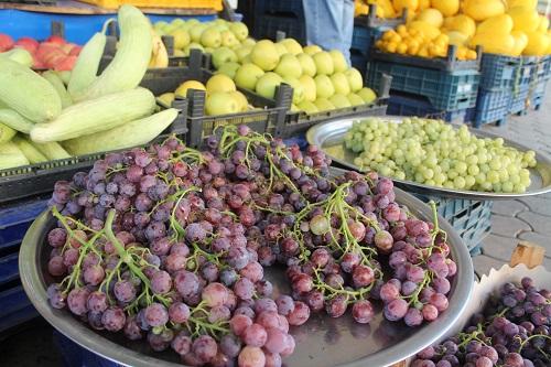 yaz-ortasinda-meyve-fiyatlari-cep-yakiyor-227499-dc5fce029438e683f528140ae5ffbd01.jpg